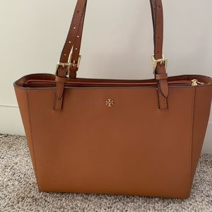 Tory Burch Robinson Small Tote Bag in Brown